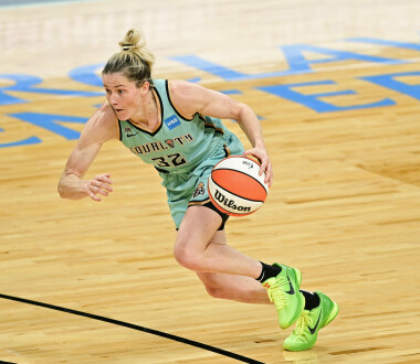 NEW YORK, NEW YORK - JUNE 24:  Sami Whitcomb #32 of the New York Liberty handles the ball against the Chicago Sky at Barclays Center on June 24, 2021 in New York City. (Photo by Steven Ryan/Getty Images)