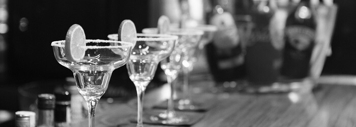 life-of-pix-free-stock-photos-spain-glass-bar-cocktail-700x250
