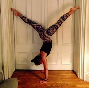 Erin Bailey handstand
